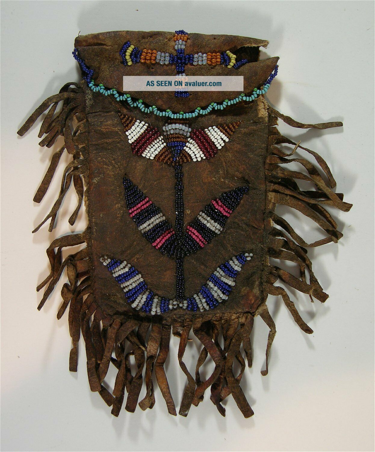 1880s NATIVE AMERICAN PLAINS / SIOUX INDIAN BEAD DECORATED POUCH MEDICINE BAG