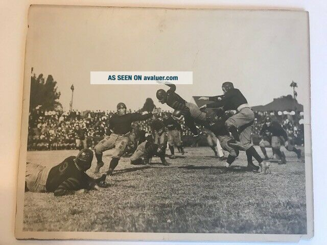 ca.  1920 ANTIQUE JIM THORPE TYPE 1 FOOTBALL PHOTOGRAPH WITH CARLISLE
