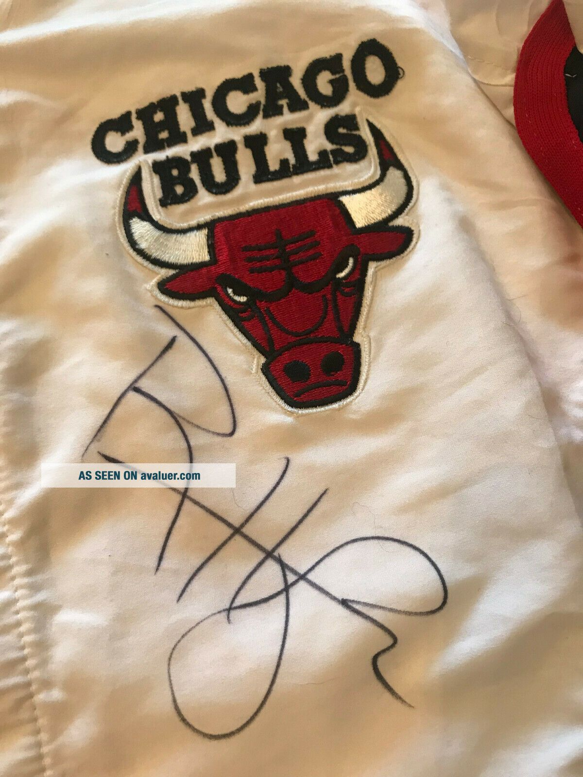96 - 97 Ron Harper CHICAGO BULLS Game Worn Autograph Signed Warmup NBA Jacket